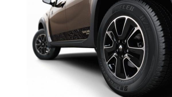 Renault Duster: как правильно поменять задние колодки, фотоотчет