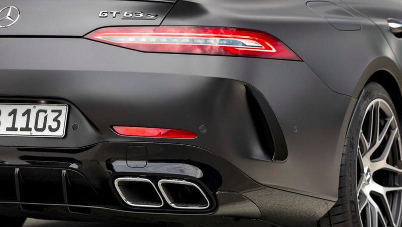 Новая модель – новая спецверсия. AMG готовит новогодний подарок поклонникам марки