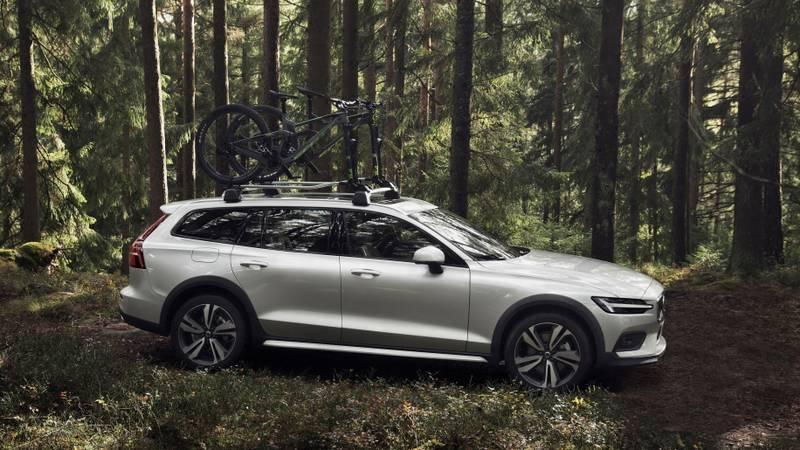 Представлен новый Volvo V60 Cross Country 2019: проходимость, комфорт, мощность – все при нем