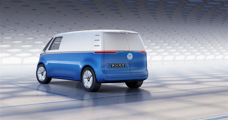 Volkswagen I.D. Buzz Cargo: микроавтобус на электротяге выйдет в серию в 2021 году