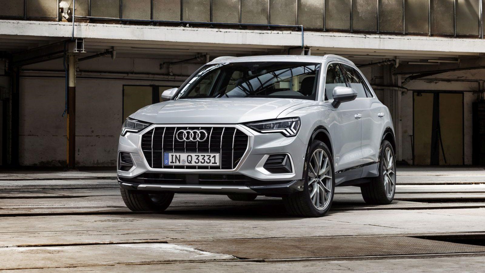 Новая Audi Q3 2019 поступает к дилерам в декабре. Цены и моторы