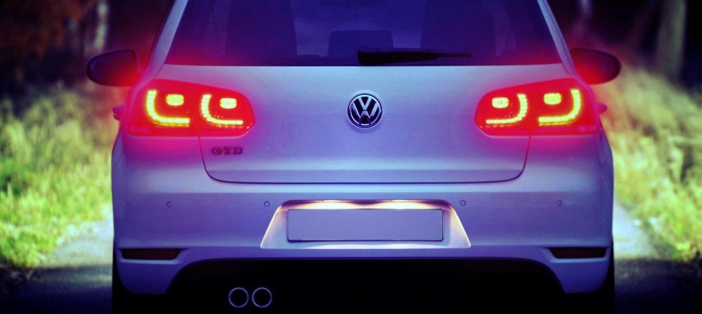 Снимаем задний фонарь VW Golf VI за 10 минут